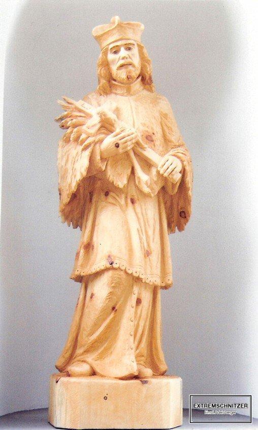 Holzfigur des heiligen Nepomuk.